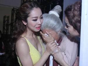 """Jennifer Phạm khóc nức nở tại  """" Bước nhảy hoàn vũ """""""