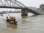 Trục vớt cầu Ghềnh:  Thủy triều  làm khó  thợ lặn