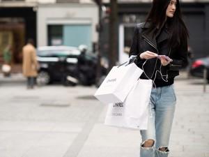 Thời trang - Mua sắm online chuẩn như các BTV thời trang