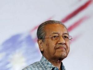 """Cựu thủ tướng Malaysia tự nhận là """"độc tài"""""""