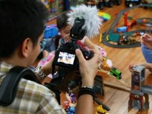 Bạn trẻ - Cuộc sống - Bỏ việc, ở nhà chơi với con vẫn kiếm 31 tỷ đồng/năm