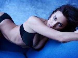 Irina Shayk tiết lộ thời điểm mặc nội y sexy nhất