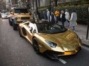 Dàn siêu xe dát vàng của triệu phú Ả Rập náo loạn London