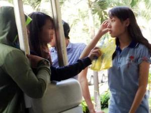 Nữ sinh bị tạt axit ở TPHCM: Mối nghi ngờ của nạn nhân