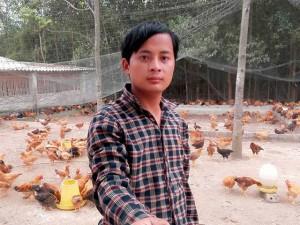 Bạn trẻ - Cuộc sống - Chàng trai xứ Nghệ nuôi gà đồi cho doanh thu 4 tỷ/năm
