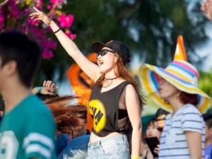 """Thời trang - Chọn bộ cánh thật """"chơi"""" cho lễ hội âm nhạc mùa hè"""