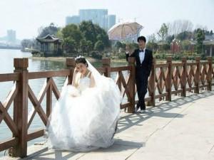 Bạn trẻ - Cuộc sống - Ảnh cưới đầy nước mắt của cô dâu mắc bệnh hiểm nghèo