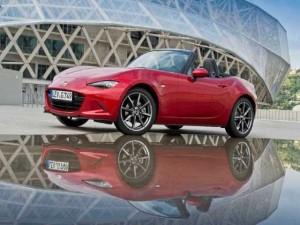 """Mazda MX-5 Miata được vinh danh """"Xe của năm 2016"""""""
