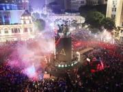 Ảnh: Khoảnh khắc vạn người đón năm mới 2017 ở HN