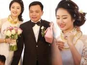 """HH Thu Ngân đeo vàng  """" trĩu cổ """"  trong đám cưới với đại gia"""