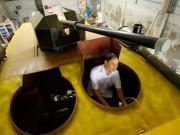 Tin tức trong ngày - Vì sao xe bọc thép 2 tỷ phải bán đồng nát 100 triệu?