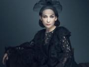 '  ' Nữ hoàng băng đĩa '  '  Phi Nhung khác lạ với ren đen huyền bí