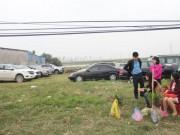 Thị trường - Tiêu dùng - Chưa vào hội, chợ Viềng đã thu 100 ngàn đồng chỗ gửi ô tô