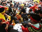 """Tin tức trong ngày - Phó chủ tịch Sóc Sơn: """"Cướp lộc ở hội Gióng, tôi thấy bình thường"""""""