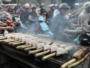 """Hàng ngàn con cá lóc """"xuất xưởng"""" trong ngày vía Thần Tài"""
