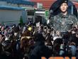 Nhìn ảnh này mới thấy fan cuồng K-Pop đông thế nào