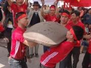 Pháo đất 100kg nổ vang trong lễ hội mùa xuân Côn Sơn - Kiếp Bạc