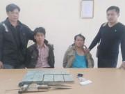 Bắt 2 người vận chuyển 10 bánh heroin từ Lào về VN