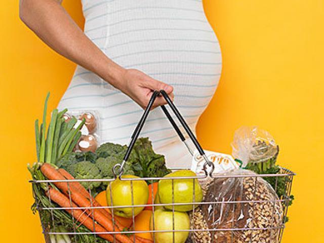 Bà bầu phải tránh xa 10 thực phẩm sau nếu không muốn sảy thai