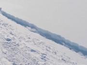 """Vết nứt khổng lồ có thể  """" xé đôi """"  Bán đảo Nam Cực"""