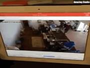 Clip: Người TQ đập gậy liên tiếp vào đầu nữ nhân viên ở Lào Cai