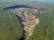Hố tử thần nở to mỗi ngày, lộ bí mật 20 vạn năm ở Siberia