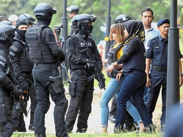 Vì sao Đoàn Thị Hương phải mặc áo chống đạn khi rời tòa?