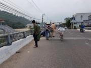 Truy xe  vô chủ , phát hiện người nằm chết dưới cầu