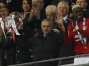 Tiết lộ: Mourinho từng lật kèo PSG, chọn MU vì tiền