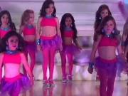 Thời trang - Choáng trước màn diễn áo tắm của các bé gái Venezuela