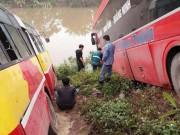Tin tức trong ngày - Xe khách lao xuống sông, chủ xe xuống kiểm tra bị xe buýt đâm tử vong