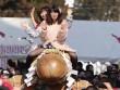 """Thiếu nữ Nhật Bản háo hức dự lễ rước """"của quý"""" khổng lồ"""