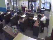 Thế giới - Cựu cảnh sát Mỹ bắn chết kẻ cướp ngân hàng như phim