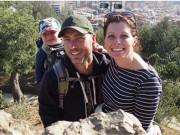 Cặp đôi bán nhà đi phượt vòng quanh thế giới cùng con trai 1 tuổi