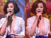 Thời trang - Mặc váy xẻ ngực đến tận rốn, mỹ nhân U50 TQ gây tranh cãi