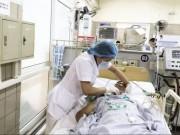 7 người nhập viện sau khi uống rượu trắng pha ba kích