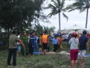 Tin tức trong ngày - 3 học sinh bị sóng cuốn tử vong khi tắm biển Đà Nẵng