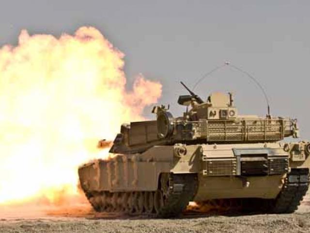 """""""Nắm đấm thép"""" M1 Abrams Mỹ yếu đuối trước xe tăng Nga"""