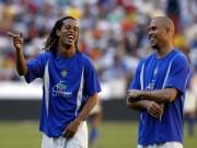"""Tay chơi sân cỏ, Ronaldinho không đủ tuổi so với Ro  """" béo """""""