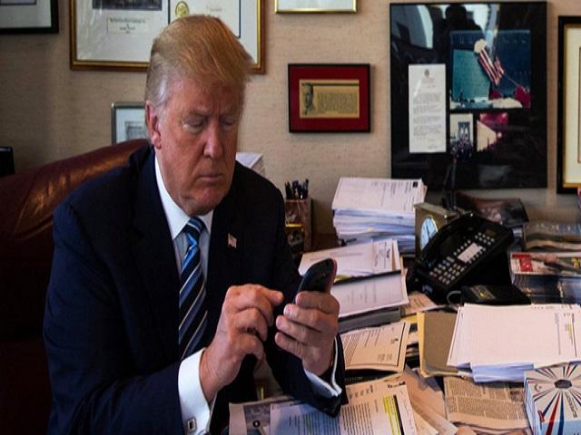 LẠ: iPhone của Tổng thống Trump chỉ có duy nhất một ứng dụng - 2