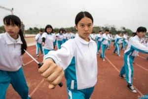 Tin tức trong ngày - Nữ sinh TQ học múa dao đề phòng yêu râu xanh