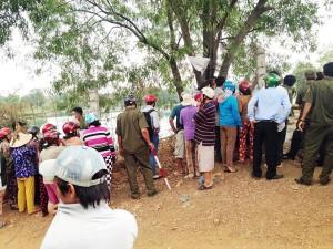 Tin tức Việt Nam - Người phụ nữ chết bí ẩn dưới hồ đá
