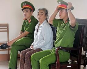 An ninh Xã hội - Đồng loạt xin giảm án cho bà ve chai giết chồng