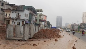 """Tin tức trong ngày - Hà Nội: Thi công ẩu, nhiều tuyến đường """"hành dân"""""""