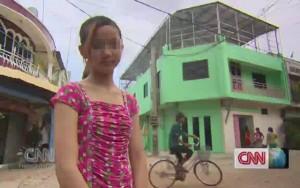"""Tâm sự của bé gái Campuchia bị mẹ bắt làm  """" gái """""""