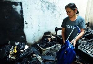 Tin tức trong ngày - Người đàn ông tự đốt nhà mình để tự vẫn