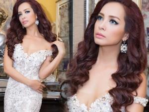 Váy - Đầm - Cựu mẫu Thúy Hạnh hút mọi ánh nhìn với đầm xẻ sâu