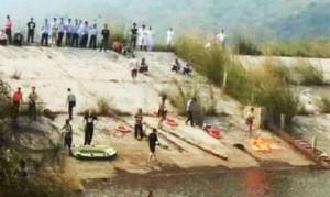 Tin tức trong ngày - TQ: Cứu thiếu nữ, cả gia đình 7 người chết đuối