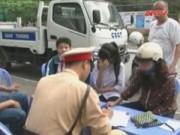 Bản tin 113 - Ra quân nhắc nhở đội mũ bảo hiểm cho trẻ em