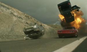 """Choáng với những màn """"giết xe"""" trong bom tấn Hollywood"""